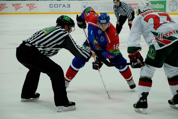 Хоккей вбрасывание